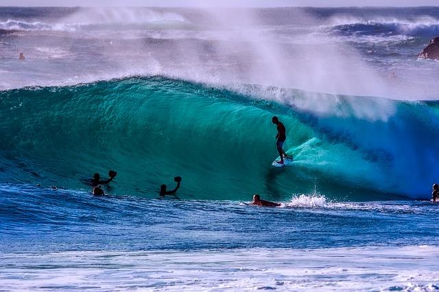waves-surfing-sport