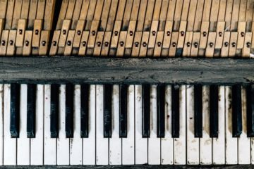 piano-cumbersome-adjective