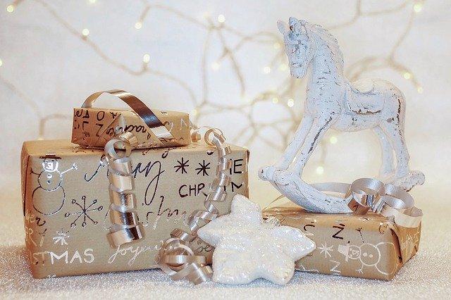 christmas-present-eco-santa